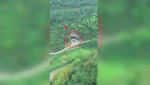 贵州一男子放弃打工,回到山洞投入30万,在洞中酿酒