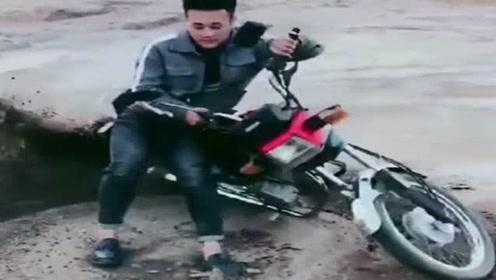 摩托车这样玩,除了费油费胎,其他没什么!