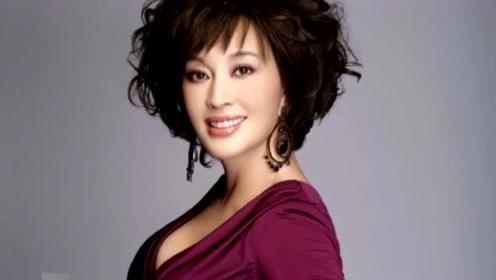 """35年前当着港媒说""""我不崇拜林青霞红,我比她红"""",大陆唯有她"""