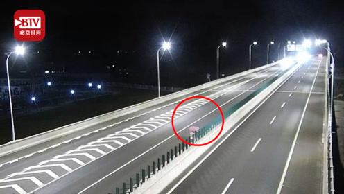 """电瓶车在高速""""疯狂""""逆行4公里 被拦后竟还不知自己在哪"""