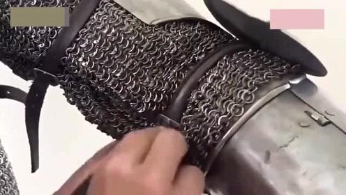 在古代打仗士兵们要有这样一套护甲,岂不是刀枪不入