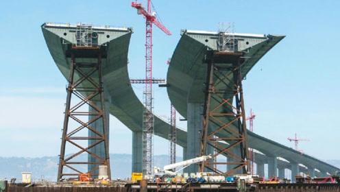 港珠澳大桥为何要高价设计成弯的?看完才知道中国人的智慧