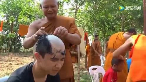 泰国小伙在街头免费体验剃光头服务!咔咔几下!清爽又帅气