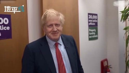 面对刁钻古怪的问题英首相从容作答 结束时还不忘拉票呼吁人民选择保守党