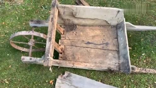 没人要的破烂手推车,老师傅拿起工具就修复,这是打算收藏吗?