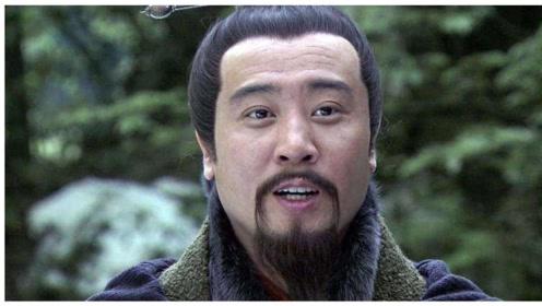 诸葛亮为什么不投奔曹操而是选择刘备,不是不愿意,而是没得选