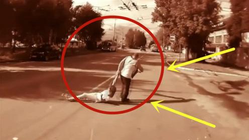 光脚长腿美女醉酒躺在大街上,大爷光天化日,竟然强行拖走!