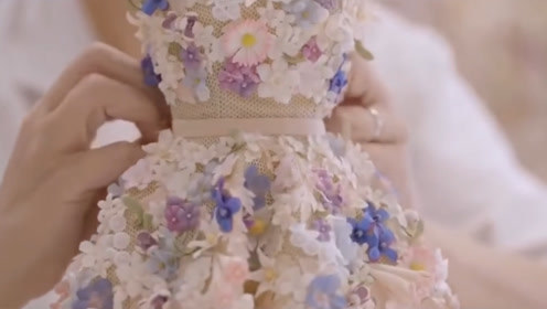 迪奥迷你小礼服,连小花朵都是人工制作,穿上就是小公主