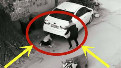 惊险瞬间!男子拉着3岁男童就跑,回放监控事实不简单!