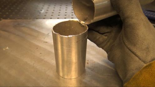 一根空心铝管如何焊出90度直角?他用了这个方法,长见识了