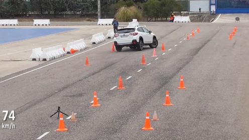 麋鹿测试:马自达CX-5 vs 斯巴鲁XV,看看差距多大?