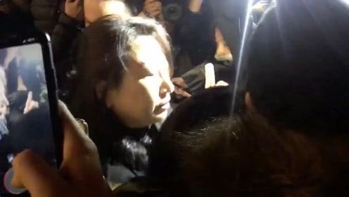 香港律政司司长伦敦遇袭 蒙面暴徒将其包围