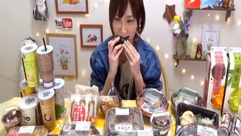 日本大胃王木下挑战吃三角饭团,蛋糕和咖喱炸猪排便当