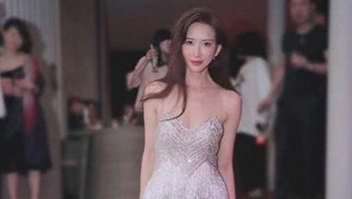 林志玲婚宴后开Party,换上银色吊带裙的她完美身材显露无遗