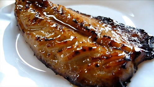 试吃日本的酱烧鱼块,很入味入口很香
