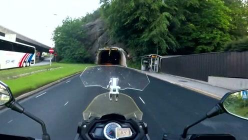 国外车友骑行贝内利600GT前往挪威旅行视频