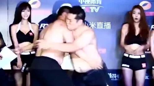 中韩拳手赛前起冲突,铁笼内中国壮汉重拳暴揍对手,胜利后绕场庆祝