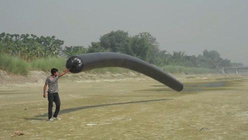 小伙用垃圾袋当风筝,灌满空气后,接下来的画面让人捧腹大笑