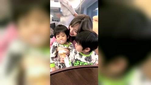 林志颖带老婆和三个孩子吃冰淇淋,一大家子好幸福!
