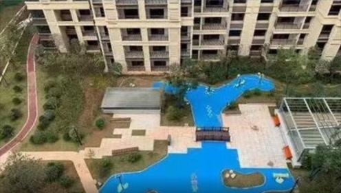 长沙一小区人工湖变塑料湖?开发商:是景观,从未说过要建真湖