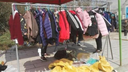 为什么地摊上卖的衣服这么便宜?到底是从哪来的?今天告诉你真相