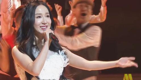 娄艺潇演绎闽南歌《厦门亲像一首歌》,仙气飘飘让人陶醉!