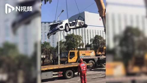 江西一水泥搅拌车与私家车发生碰撞,小车被压扁,造成3人遇难