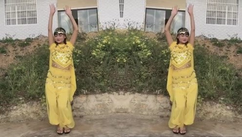 乡村妹子兴致勃勃的在家旁边跳《印度舞》,网友:高手在民间!