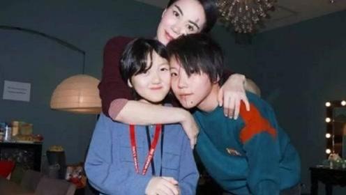 王菲女儿一年学费77万,张柏芝李湘也让人瞠目结舌,贵族学校到底学什么?