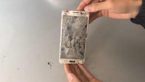 一部六年前破损三星智能手机,重新修复再次使用,但速度非常慢