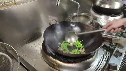饭店的腊肉原来是这样做的,第一次见这种做法,味道就是不一样