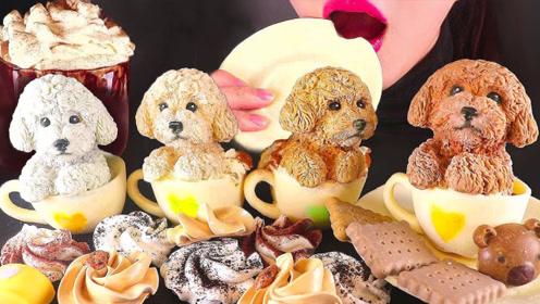 爱心咖啡杯装着贵宾犬,小姐姐竟拿起来大口吃光,连餐盘也敢吃吗?
