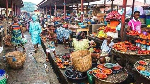 非洲人穷得没东西吃?看完当地菜市场后,网友:怎么可能
