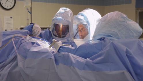 国外女子背部疼痛,检查发现体内有把手术刀,医生:不是失误