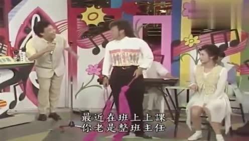 看着菲哥婀娜的舞姿,费玉清情不自禁的踹了菲哥一脚