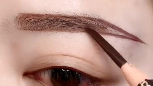 眼妆这样画,超级好看,化妆新手看过来
