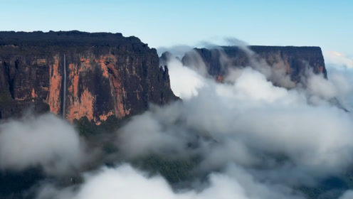 """这座山被称为""""世界尽头"""",有著名的天堂瀑布,地貌就像月球表面"""