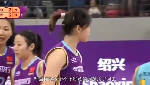 又蠢又坏!天津输球后记者为朱婷挖坑,遭婷队强势回应,不背锅!
