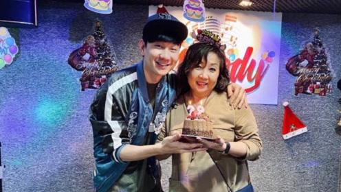 林俊杰举办派对为妈妈庆生 母子二人紧紧相拥笑容幸福