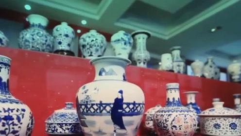 """王健林投资400亿建""""青花瓷""""地标,网友吐槽:就像一堆乱放的碗!"""