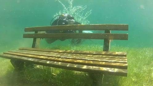奥地利的神奇水下公园,冬季浮出水面,春夏季完全被湖水淹没!