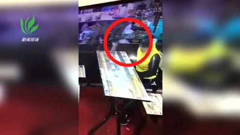 桂林一女子进入一家小吃店偷猪脚监控拍下全过程