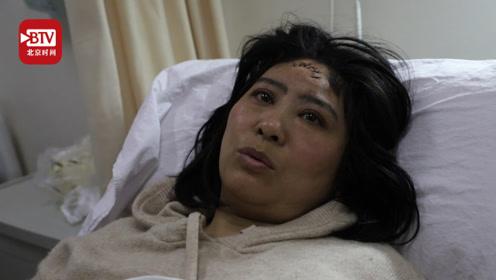 路牌倒下瞬间 女老师用身体保护学生被砸伤 丈夫含泪说:为她自豪