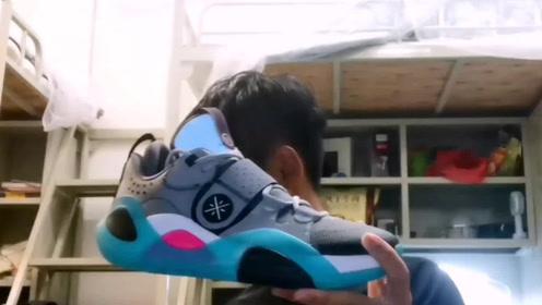 球鞋开箱:国产最强、最帅!中端鞋李宁全城 Allcity8 开箱