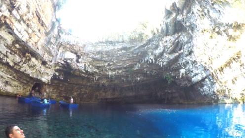 """最美泳池,被称为""""天空之眼,大地之睛"""",宛如一处世外桃源"""
