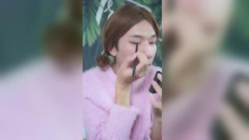 当女朋友化妆时,对不起我的错,是我眨眼了!