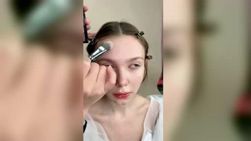 武汉学化妆,满脸痘痘一秒不见,看到丑女的表情我信了