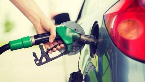 加油到底是选择加满还是加200块?老司机:再不注意,车要大修!