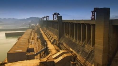 三峡大坝总投资高达2千亿,如今13年过去了,带来了多少利润?