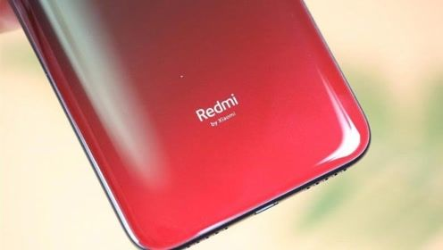 红米公布最新代言人,以前曾拍摄荣耀手机的广告